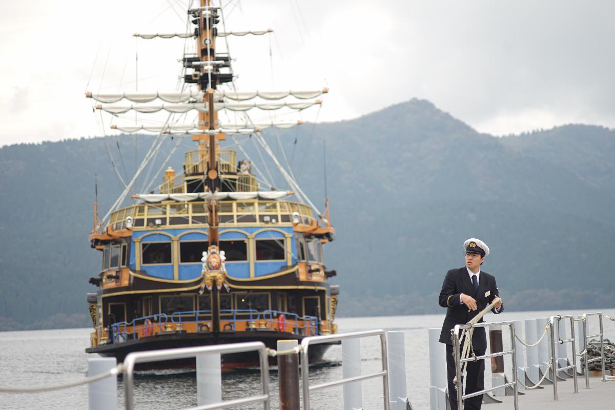 One Day Trip - Hakone ล่องเรือโจรสลัด นั่งกระเช้า กินไข่ดำ บุฟเฟต์ปิ้งย่างจุใจ ปิดท้ายด้วยช้อปปิ้ง Gotemba คุ้มมากมาย