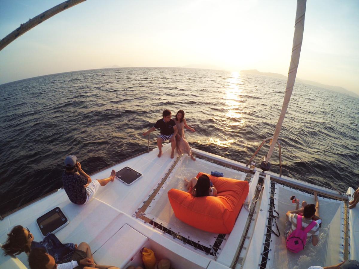 ดำน้ำเกาะไม้ท่อน+เกาะพีพี ชมพระอาทิตย์ตกดิน (11.00-18.30 น.)