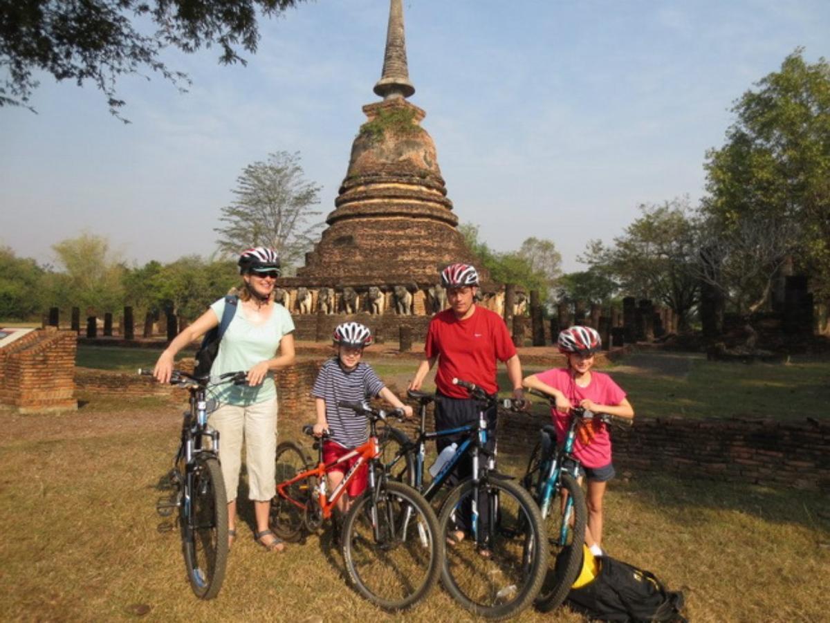 Cycling tour Sukhothai Historical Park (Half Day)