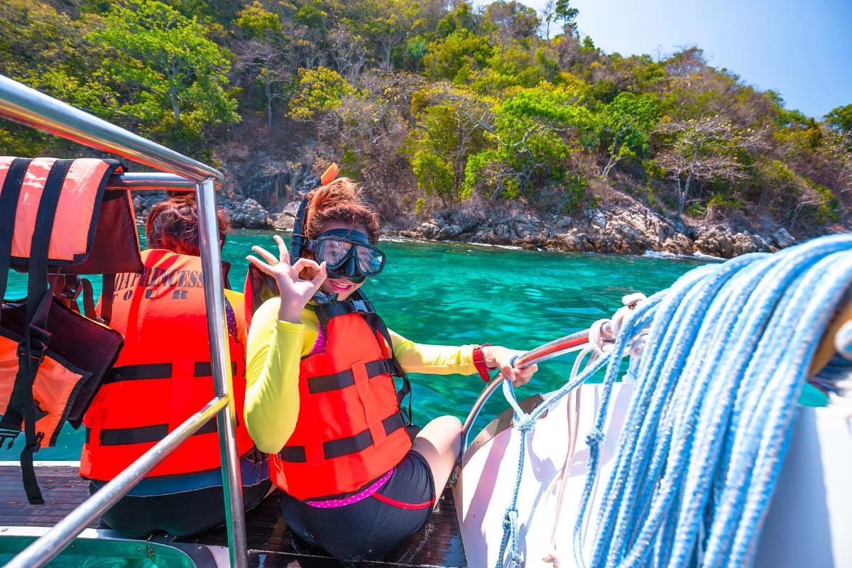 Snorkeling เกาะรายา   (เต็มวัน)