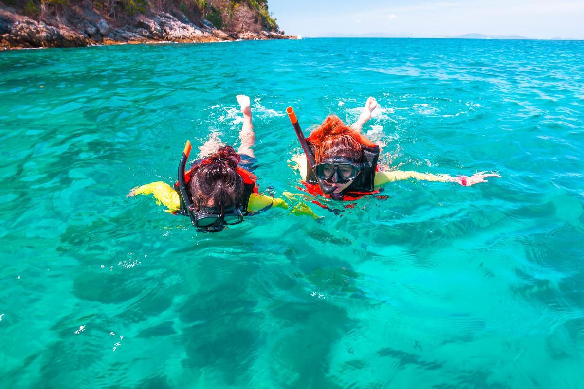 ดำน้ำดูปะการัง เกาะรายา,เกาะเฮ และ เกาะไม้ท่อน (เต็มวัน)