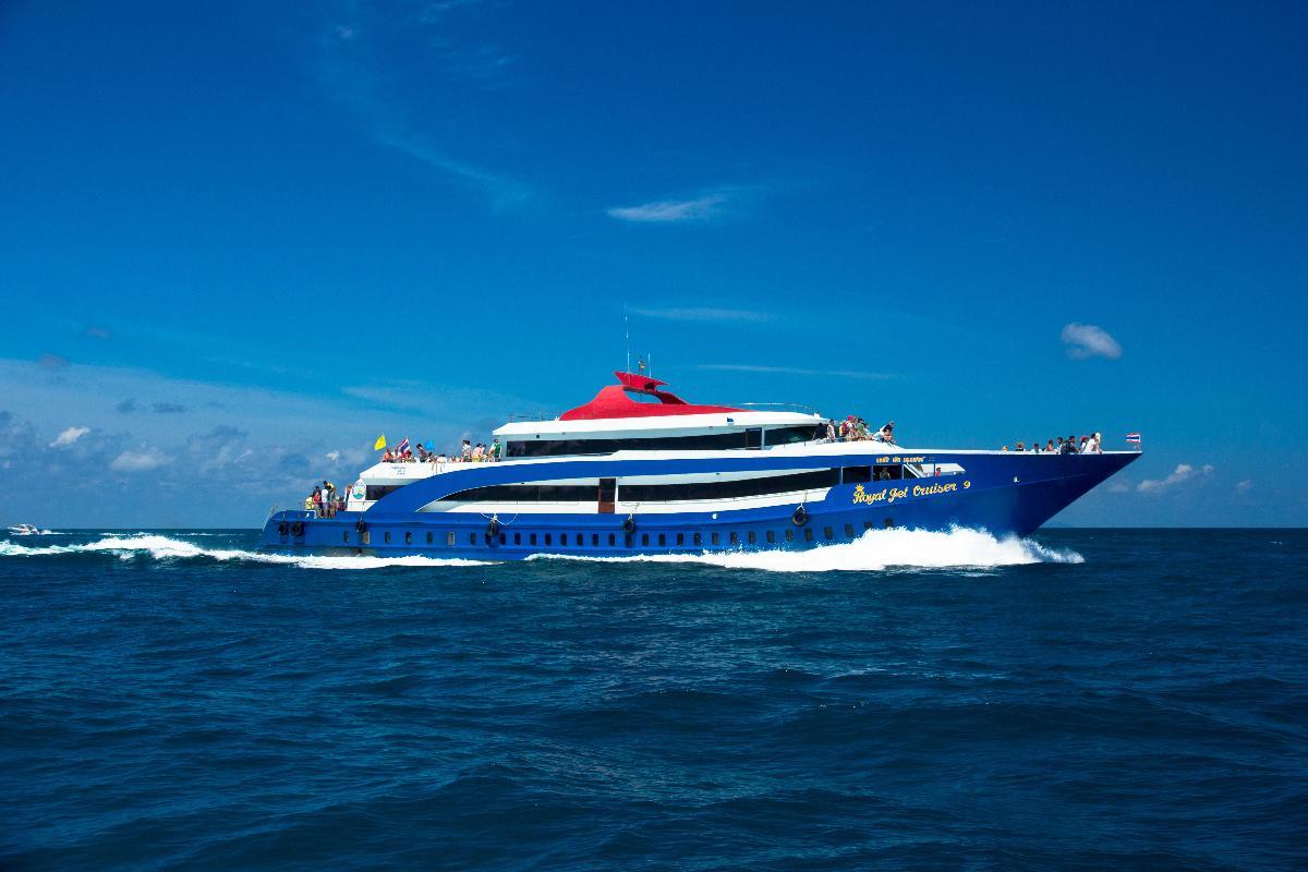 ดำน้ำเกาะพีพี เรือเจ็ทครุยเซอร์ (one day trip)