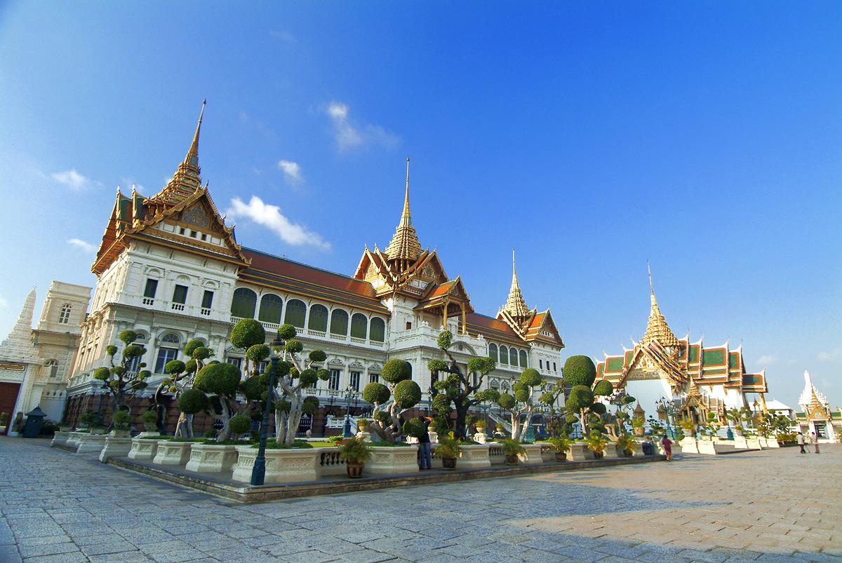 Royal Grand Palace & Emerald Buddha (half day)