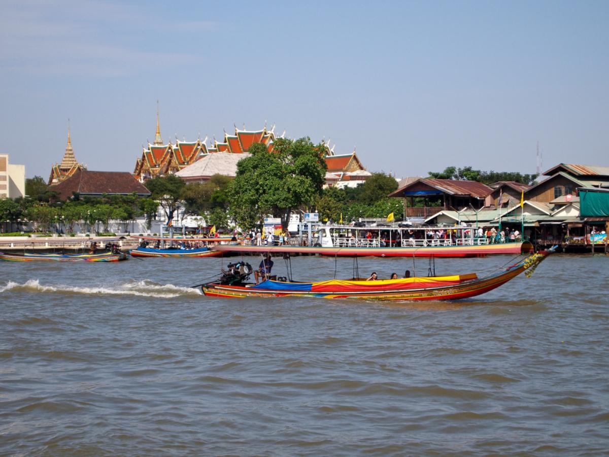 Bangkok Canal by Long Tail Boat  (half day)